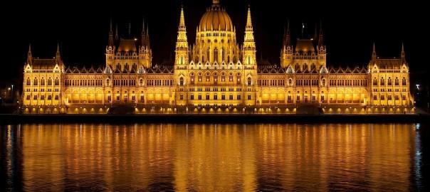 Budapeszt Parlament noca